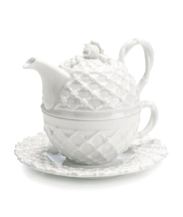 Набор для чая: чашка, блюдце, заварочный чайник